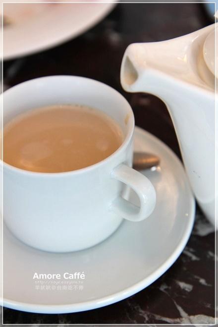 台南東區崇明路【Amore Caffe】。早午餐